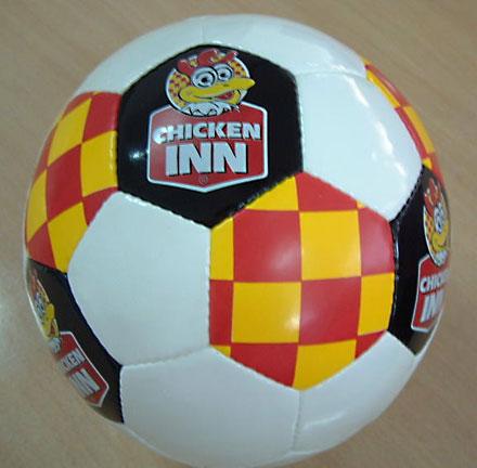 fotboll-chicken-in-440